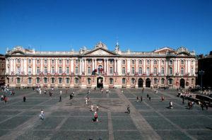place du Capitole Toulouse accessibilité