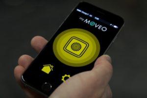Démonstration de l'application My Moveo en situation, pour déclencher les feux sonores comme une télécommande