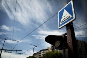 lignes de tramway parisien et panneaux de signalisation