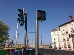 carrefour équipé de modules sonores à Bayonne pour l'accessibilité des personnes handicapées