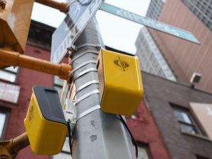 Deux boitiers aBeacon installés aux feux de New York